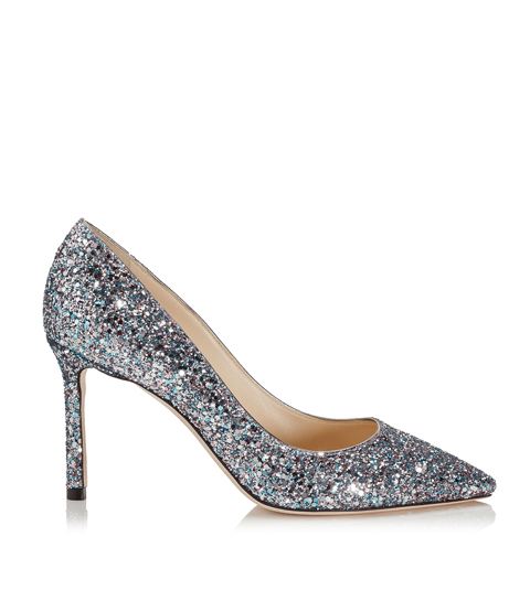 Hier kan je de favoriete schoenen van Carrie Bradshaw voor een prikje shoppen