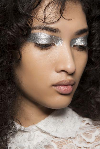 zilveren oogschaduw trends beauty herfst