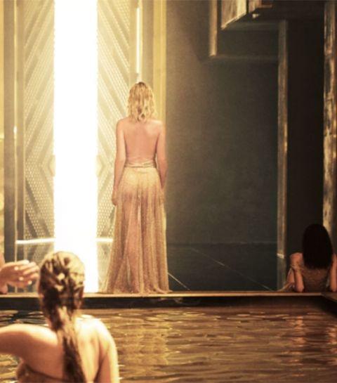 Charlize Theron krijgt bijzonder gezelschap in J'Adore Absolu campagne