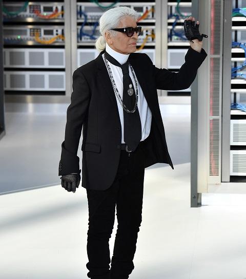 Ontwerper Karl Lagerfeld is niet meer