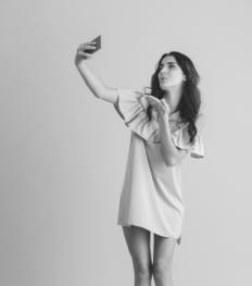 Paniekrubriek: Mijn vriend liket halfnaakte vrouwen op Instagram