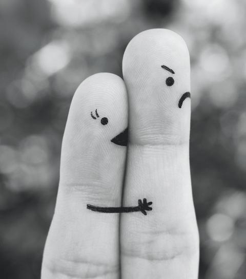 Paniekrubriek: Help, mijn lief wil me niet kussen!