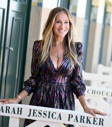 Hoe Sarah Jessica Parker transformeerde tot Carrie Bradshaw