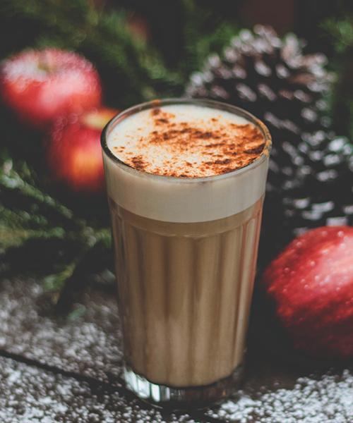 koffie, chai tea latte