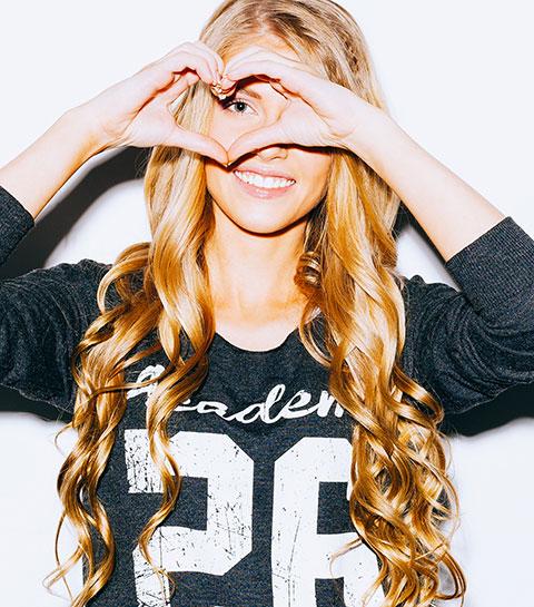 Hallo glanzende lokken: 7 makkelijke tips tegen vettig haar