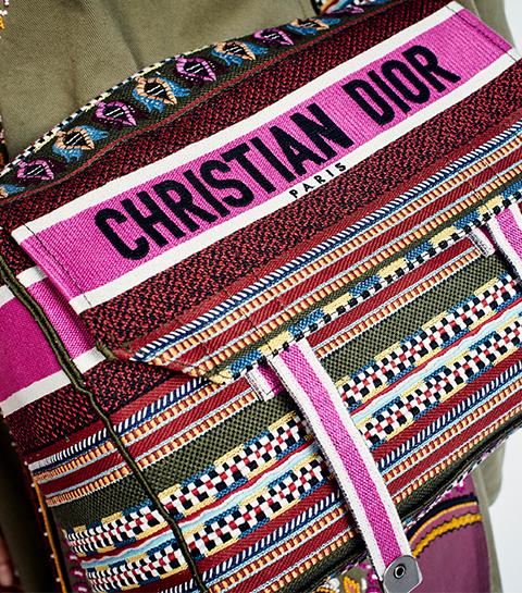 Zo wordt de nieuwe it-bag van Dior gemaakt