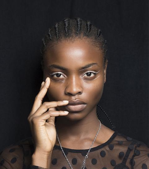 Microtrend: witte eyeliner geeft je een streepje voor