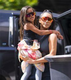 Alles over de vierde baby van Kim Kardashian