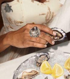 Duurzame mode: & Other Stories brengt juwelen uit met Mia Larsson