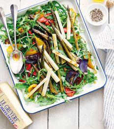 Salade van geroosterde groenten en Gruyère AOP Classic, met balsamicodressing
