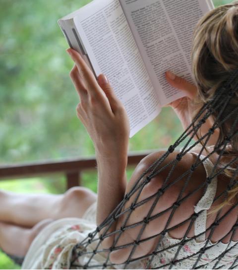 5 boeken over powervrouwen die jij deze zomer zeker moet lezen