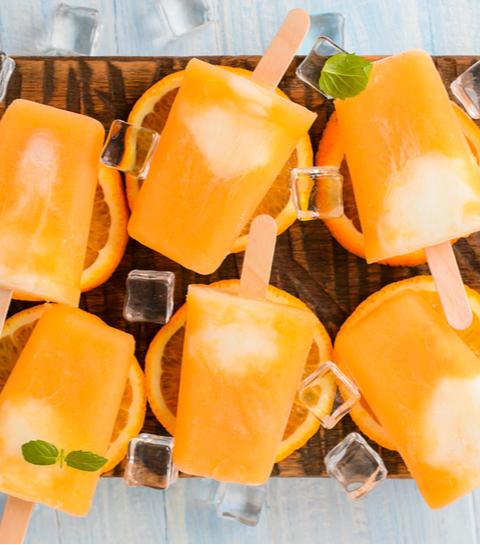 Veganistische perzik-roomijsjes