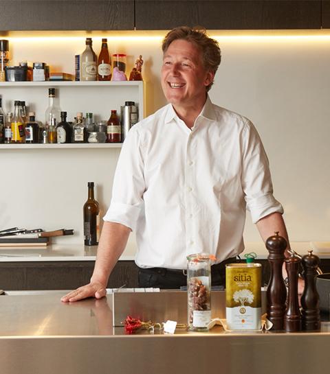 Pierre Marcolini proeft van je lekkerste chocoladetaarten