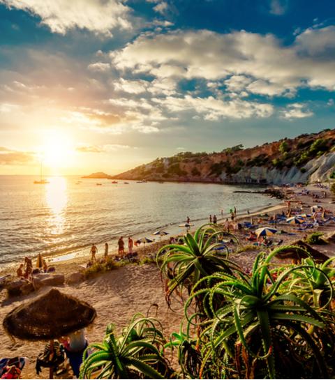 Wanderlust: 5 verborgen baaien op Ibiza