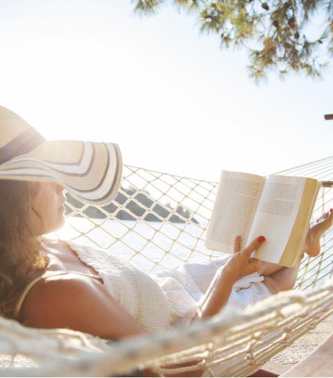 15 feel-good boeken om mee te nemen op vakantie