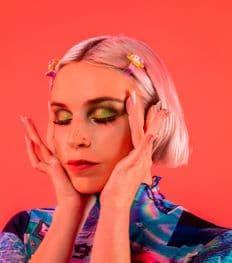 Exclusief: jong talent Ruby Grace over haar nieuwe videoclip 'Glitter'