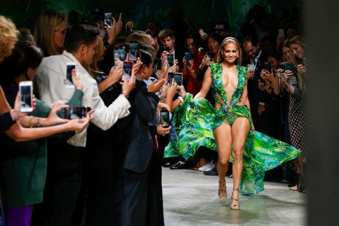 Versace Jennifer Lopez