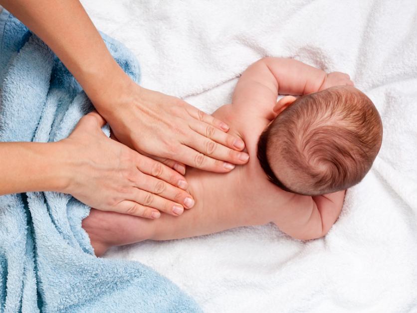 baby_spa_wellness_hydrotherapie_massage_krampen_slaapproblemen_reflux_