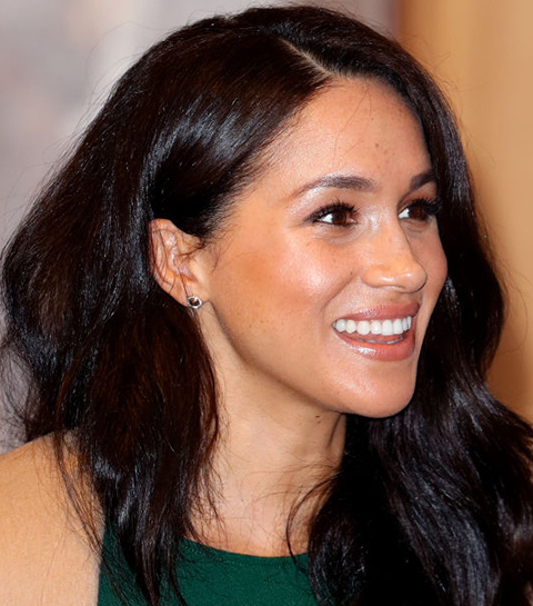 Wat zit er in de make-uptas van… Meghan Markle?