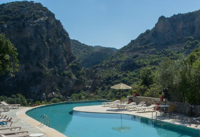 pool villa enagron