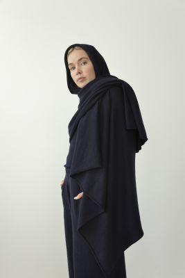 GR13_Extreme Cashmere_Wrap scarf_500 euros_Trousers_490 euros