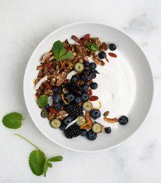 Vegan Maand: 5 recepten met plantaardige Griekse yoghurt
