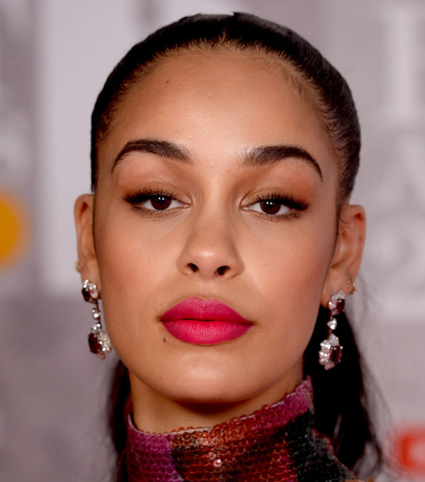 jorja smith dior make-uplook