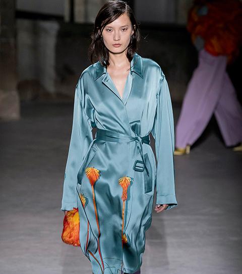 Van de slaapkamer naar de catwalk: wat met de pyjamalook?