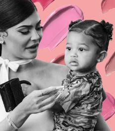 Wacht, wat? Kylie Jenner werkt aan een make-up collab met dochter Stormi