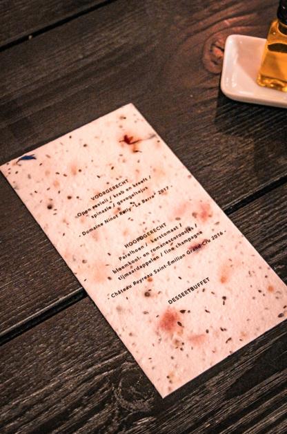 Deze invite kan je na afloop van het feest planten