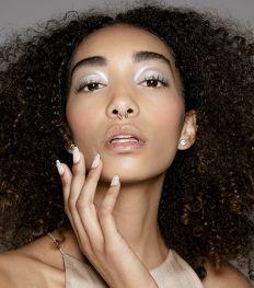 Face Mapping: de oorzaak van puistjes op elke plaats van je gezicht