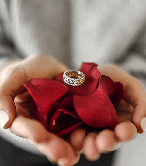 8 cliché valentijnscadeaus waar we stiekem wél heel erg blij mee zijn