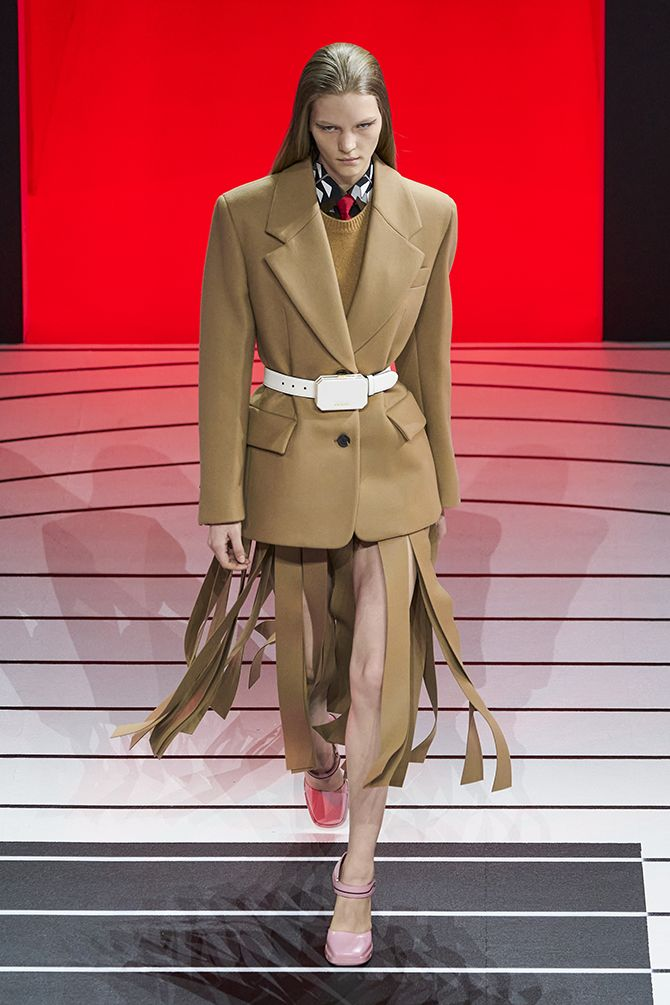 prada milaan trends franjes jurk