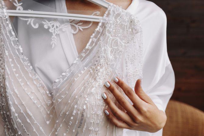 trouwen bruidsjurk kiezen passen