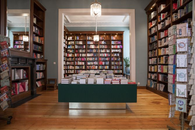 Luddites, Antwerpen, boeken, wijnbar