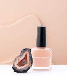 Hebben: de vegan nagellak van juwelenontwerpster Karolin Van Loon