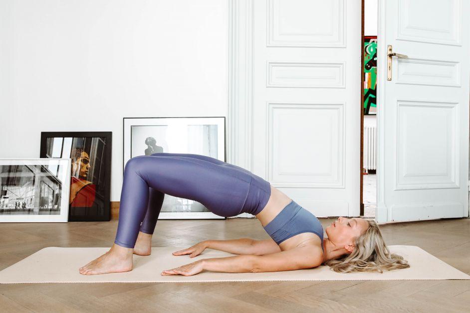 Celine Verbeeck - Wheel pose