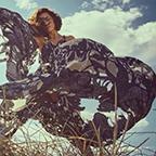 Fashion Shoot: wapperende jurken om vrijuit in te paraderen