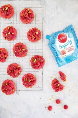 Cookies met frambozen en pistache
