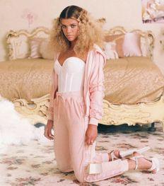 Zien: Sofia Richie in de nieuwste Kappa x Juicy Couture collab