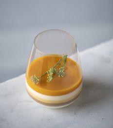 Recept: verrine van Sacher met een crèmeux van abrikoos van Jaline Vandromme