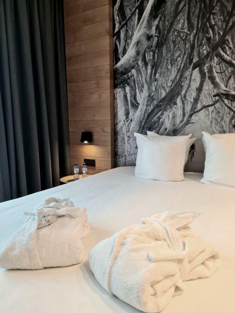 R hotel experiences