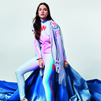 Fashion shoot: Vrije vormen, luchtige stoffen en hemelse tinten.