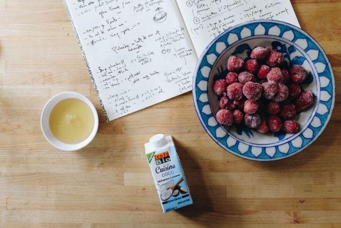 Recept: vegan aardbeienijs met kokosmelk van Aline Gérard - 1