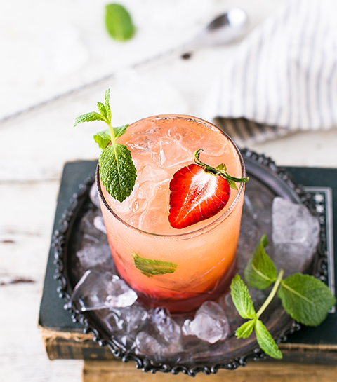 Recept: frisse aardbeiencocktail met champagne