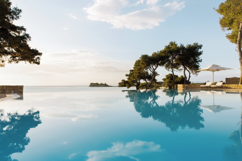 sani resort infinity pool