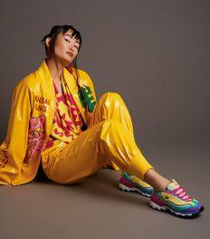 We Love: Skechers eert Kansaï Yamamoto met kleurrijke sneakercollab