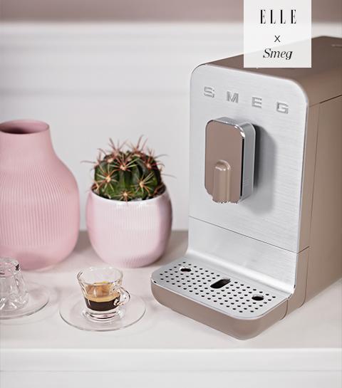 Win een 'Bean to Cup'-koffiemachine van SMEG t.w.v. €679 in je favoriete kleur!