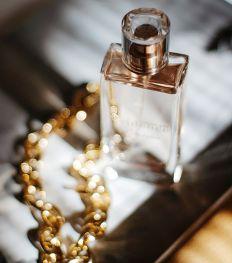 10 ultravrouwelijke parfums voor een zwoele herfst
